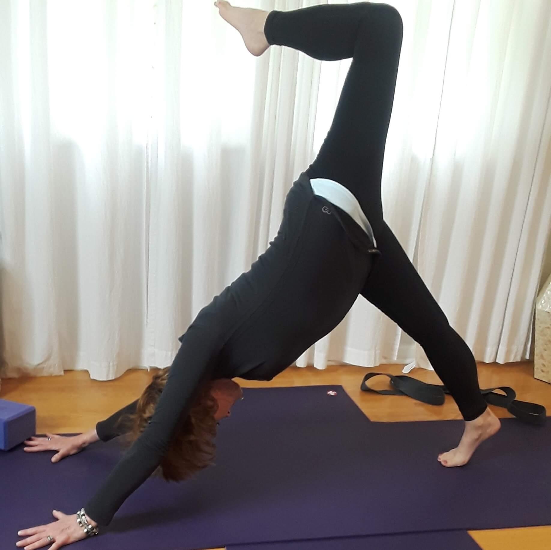 Eclectic Yoga - Core & Shoulders